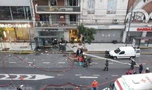 Explosión en un comercio de Villa Crespo: dos bomberos muertos y 6 heridos