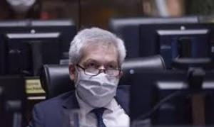 Ferreño, el jefe de bloque del Frente de Todos porteño informó que tiene coronavirus