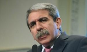 Aníbal Fernández revocó más de 400 contrataciones en YCRT