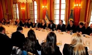 """Vidal le pidió a sus legisladores y candidatos que """"estén cerca de la gente y escuchen más a los vecinos"""""""