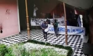Al igual que en Olavarría, manifestantes ingresaron al municipio de Junín de manera violenta