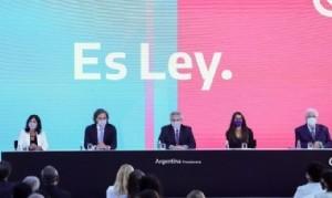 Alberto Fernández promulgó la legalización del aborto
