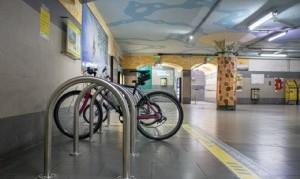 Instalan bicicleteros en el Subte