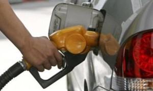 Marcha atrás con el congelamiento de naftas: Las petroleras suben 4% sus combustibles