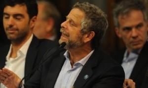 El Gobierno cruzó a Rubinstein por sus reiteradas críticas hacia la cuarentena