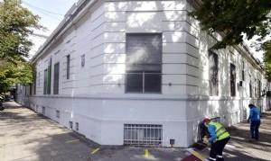 La Plata: Demarcan filas para garantizar el distanciamiento social en centros de testeo