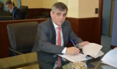 Guillermo Britos, intendente.