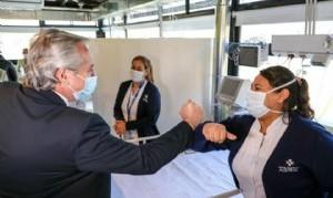 """El Presidente inauguró un"""" hospital solidario"""" en Pilar"""