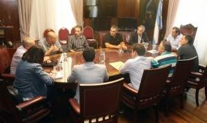 """La Plata: Garro encabezó una mesa de trabajo junto a autoridades de Nación para """"resolver las demandas diarias"""" en materia de transporte"""