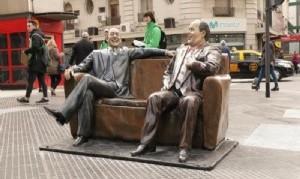 Patrimonio público: Las estatuas de los ídolos y personajes populares son las más vandalizadas